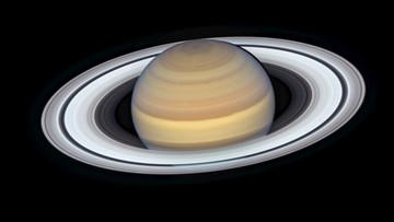 Hubble Delivers Stunning New Image of Saturn's Rings