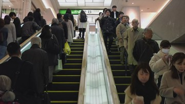 The Real Reason Why Escalator Stairs Have Grooves