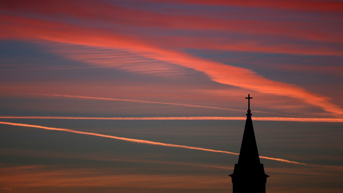 Party affiliation clear in plummeting US church membership, poll finds