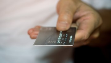 3 ways to earn a ton of credit card points in the next three months