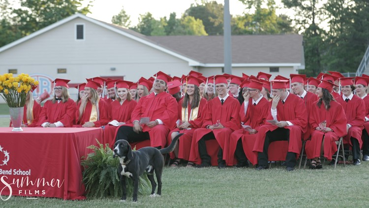 Dog crashes high school graduation and their reactions