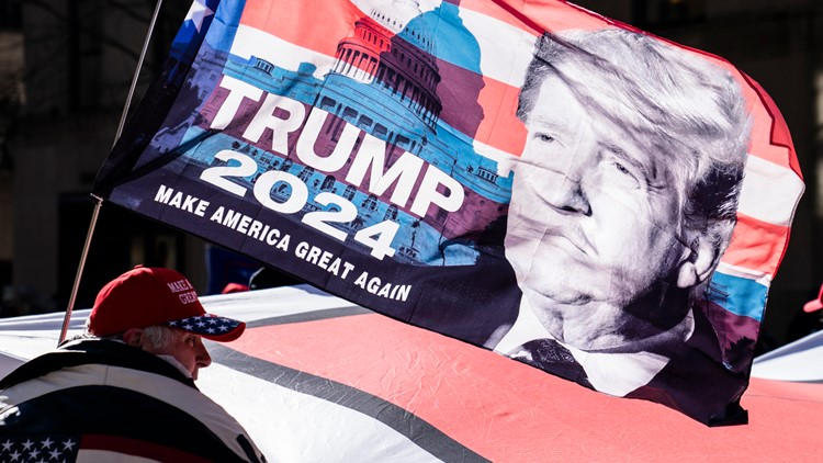 GOP White House hopefuls move forward as Trump considers run