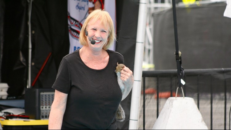 Lou Ann Best introduces Twiggy to an X Games crowd