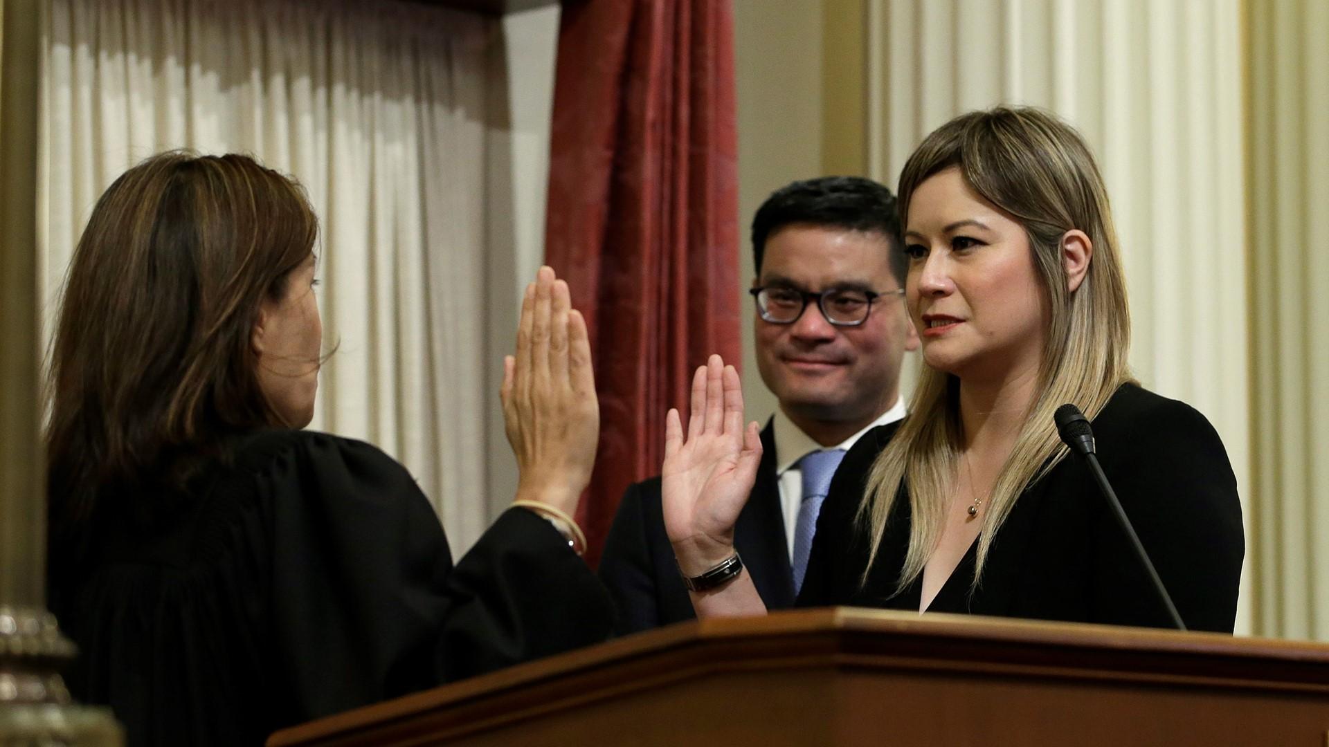 California lawmaker wants to ban sending unwanted nude