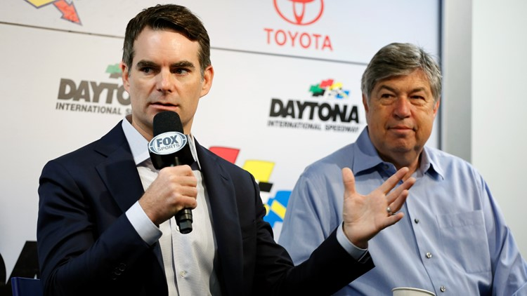 Jeff Gordon leaves NASCAR on FOX for larger role with Hendrick Motorsports