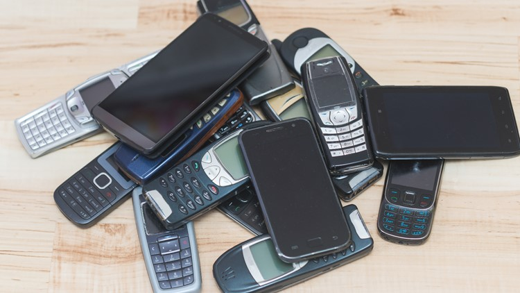 Why your older cell phone could stop working in 2022