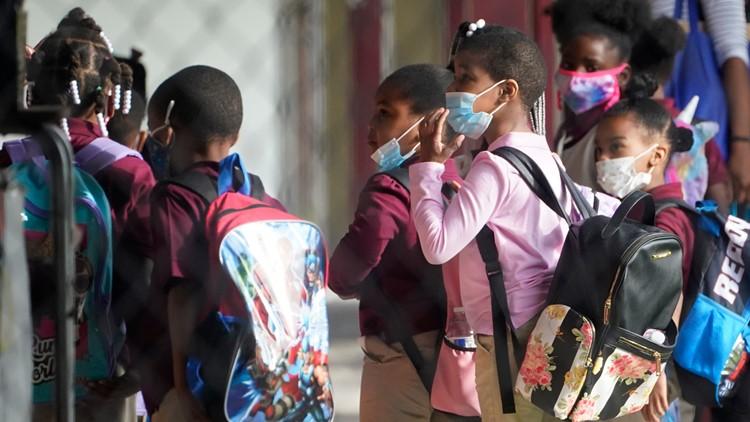 DeSantis vs. school districts: Who's right when it comes to mask mandates?