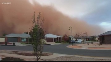 Wow Moments: Dust storm turns day to night