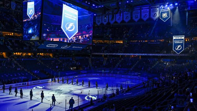 Lightning raise championship banner, beat Predators 6-3