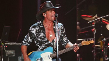 Tim McGraw to open Bucs season with free concert at Raymond James Stadium