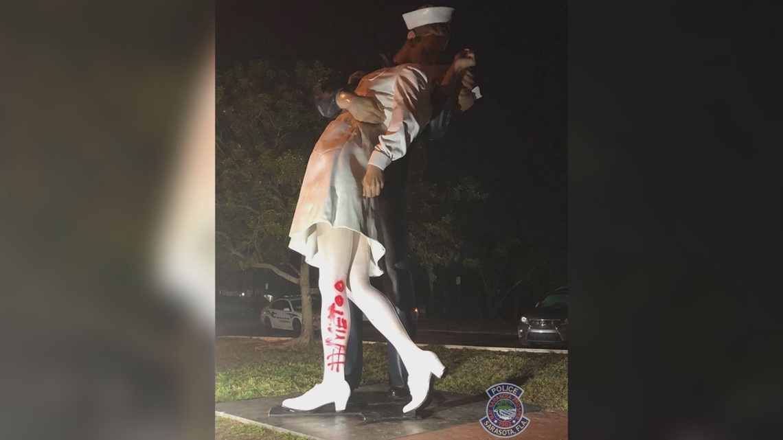 Kissing statue vandalized after veteran's death with #MeToo paint