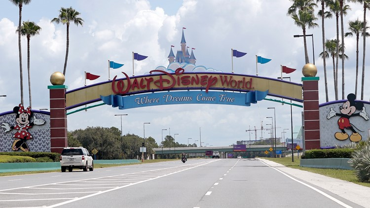 Video appears to show Disney World guest leap from Living with the Land ride