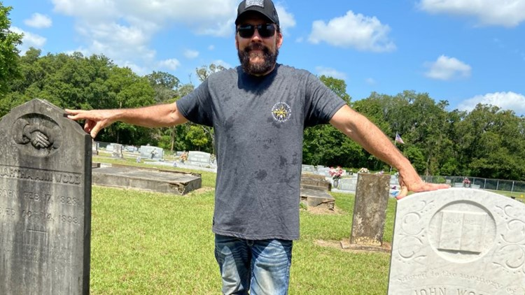 People around the globe are cleaning dirty headstones thanks to Florida man's example