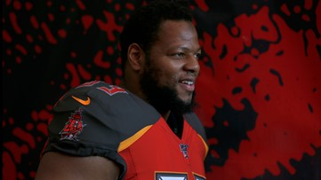 Ndamukong Suh re-signs with the Bucs