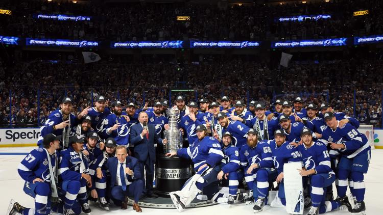 Lightning to raise Stanley Cup banner in season opener