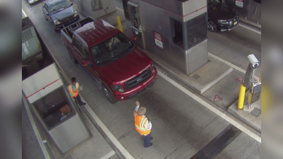 FHP searches for driver accused of hitting woman at Sunshine Skyway toll