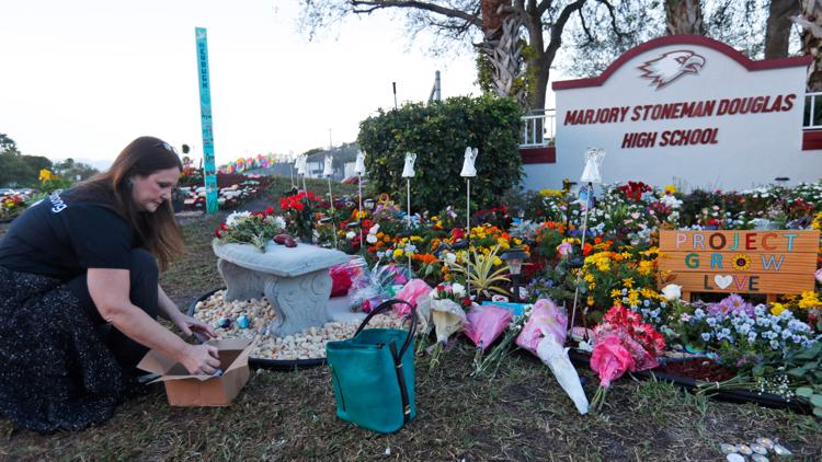 Parkland school shooting families reach $25m settlement with district