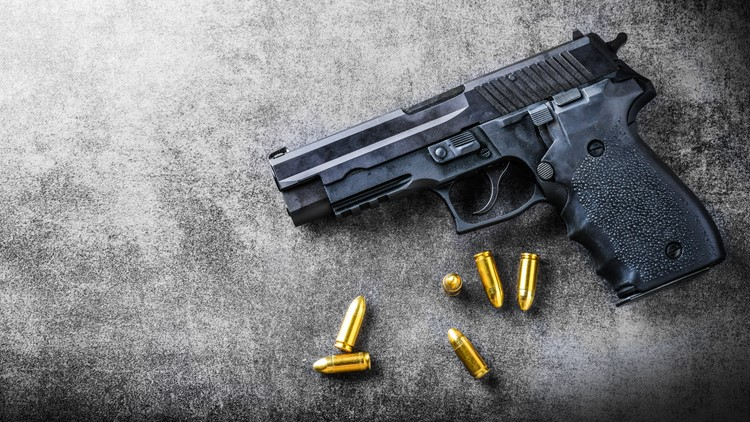 Florida man accidentally shoots himself after showing off gun in bar