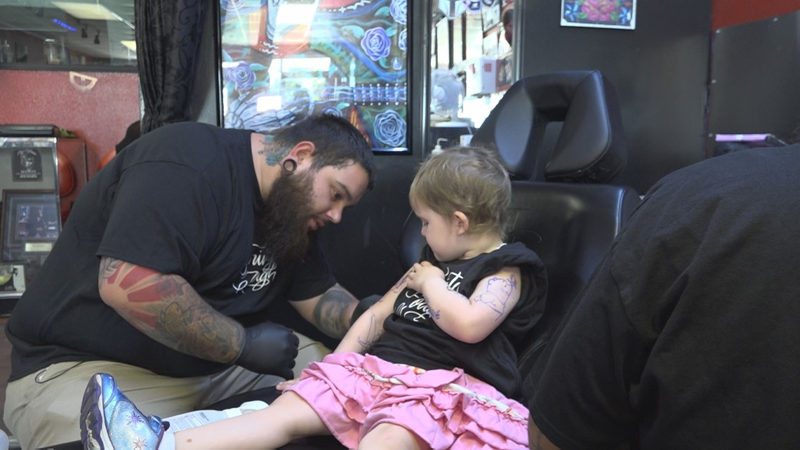 7505f58e7 Tampa tattoo shop gives 3-year-old cancer patient colorful courage ...