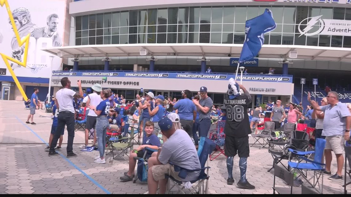 Bolts fans electric after Game 4 win over Canes