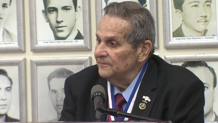Gov. DeSantis awards Bay of Pigs Invasion veteran with Florida Medal of Freedom