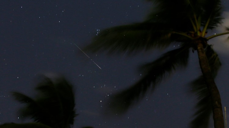 Fireball streaking over Florida was a large meteor, experts say