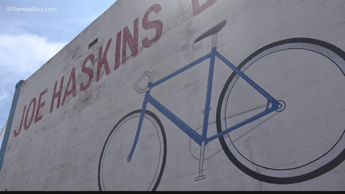 Community shows support after death of iconic Tampa Heights bike shop owner