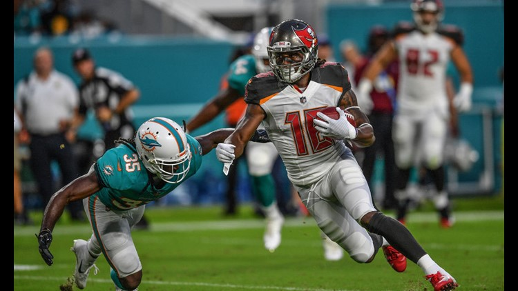 New Buccaneers kicker Chandler Catanzaro made a 26-yard field goal with 23 seconds left to cap a 67-yard drive and give them the win.