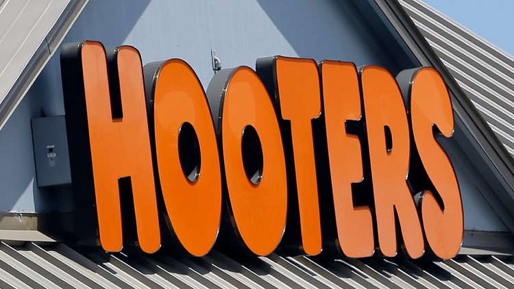 Earns Hooters
