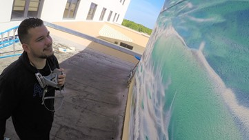 New beach mural cheers up patients stuck in hospital