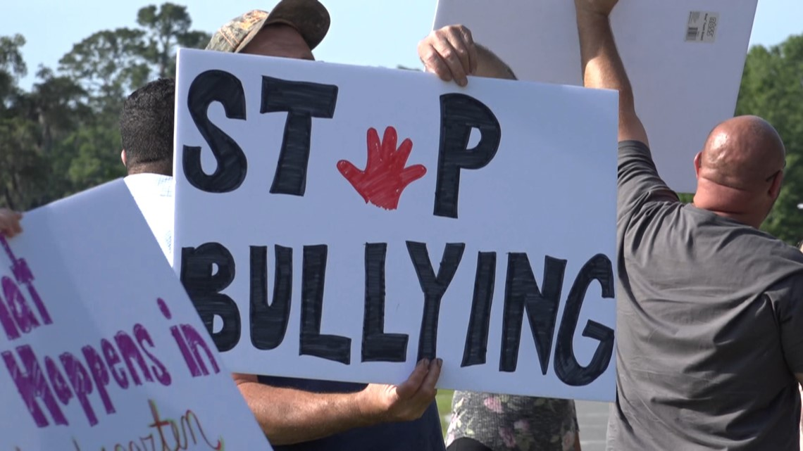 Parents not happy with district's response after 'bully' teacher told to tone it down