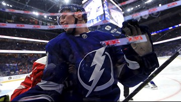 Stamkos ends scoring drought as Bolts top Detroit 3-1