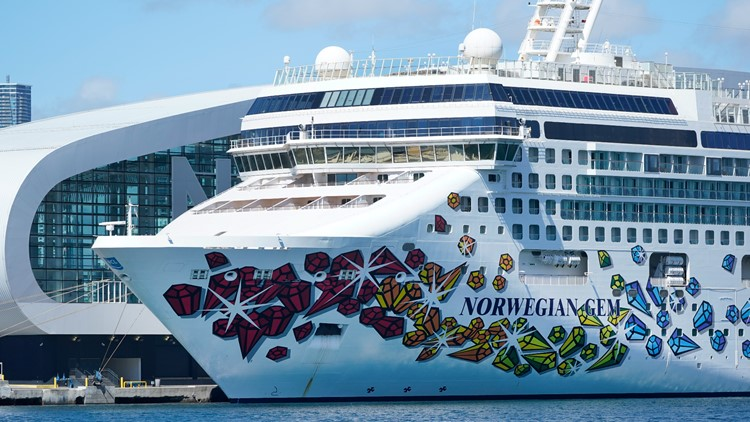 'It's shameful': Norwegian Cruise CEO blasts Florida's appeal of vaccine proof ruling