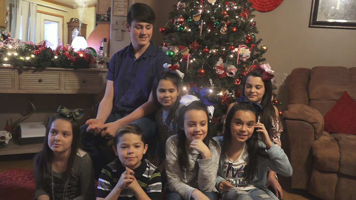'We get our own beds': Arkansas couple adopts 7 siblings ahead of Christmas
