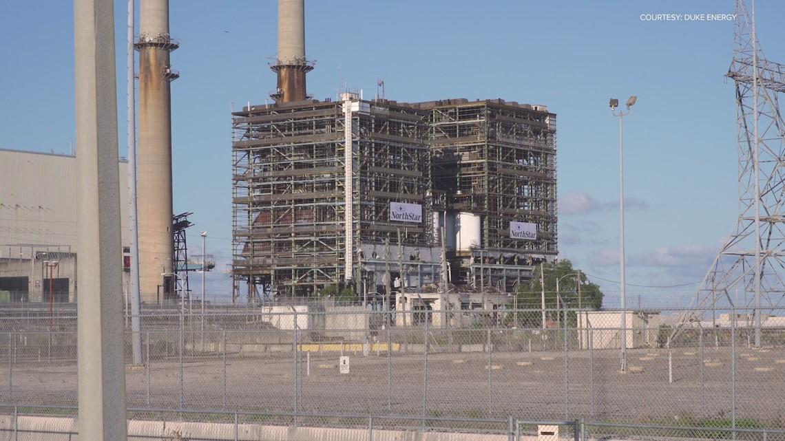 Duke Energy implodes 2 power houses at Crystal River site