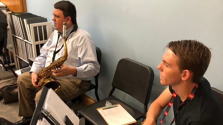 Blind saxophonist teaches next generation of musicians