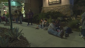 Black Friday deals bring out Tampa Bay shoppers