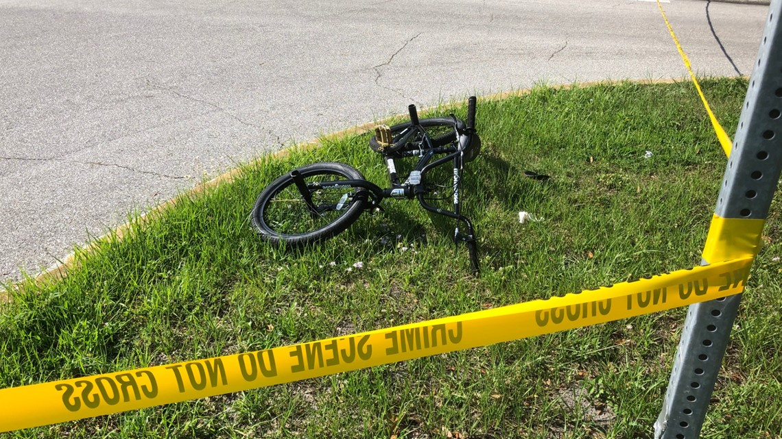 9-year-old boy riding bike to school dies after being hit by truck in Sarasota County