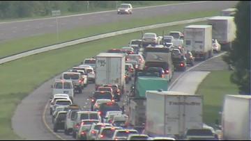Serious crash slows traffic on I-75