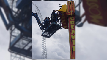 Seven rescued from amusement park ride in Orlando