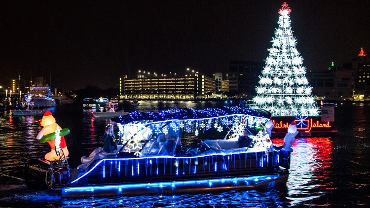 Dog River Christmas Boat Parade 2021 Here S Where To See Christmas Lights Across Tampa Bay Wtsp Com