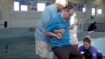 Wounded warrior gets to meet Winter the dolphin