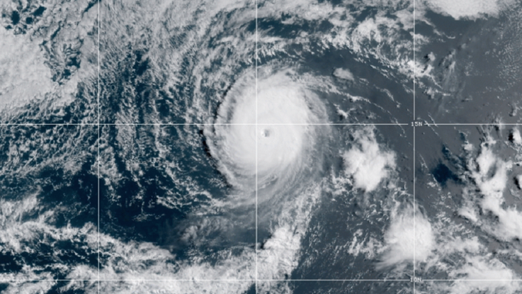 Felicia maintains major hurricane strength in Pacific, far from land