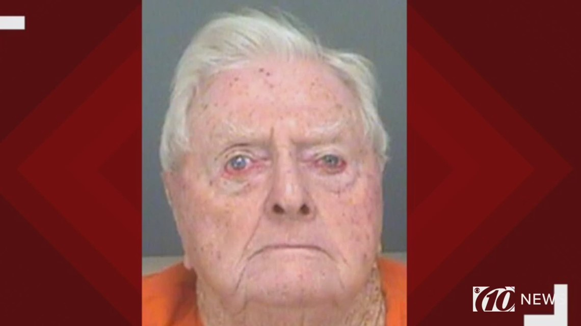 89-year-old sex offender exposed himself, police say