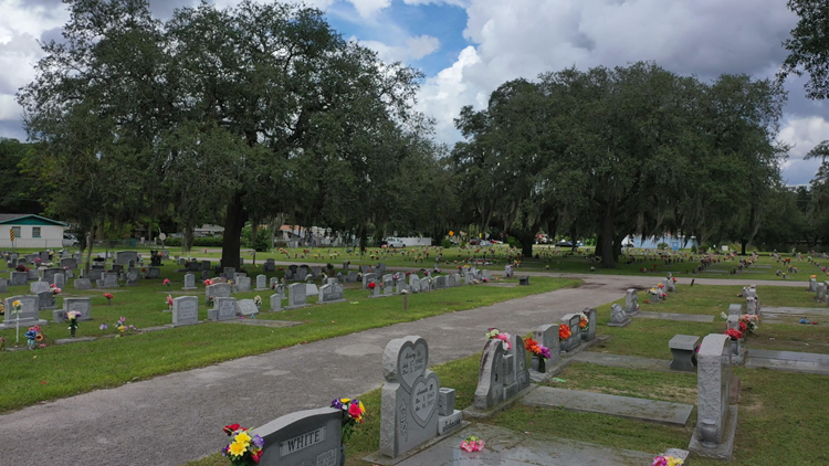 Local cemeteries struggle to keep up with burials amid COVID pandemic
