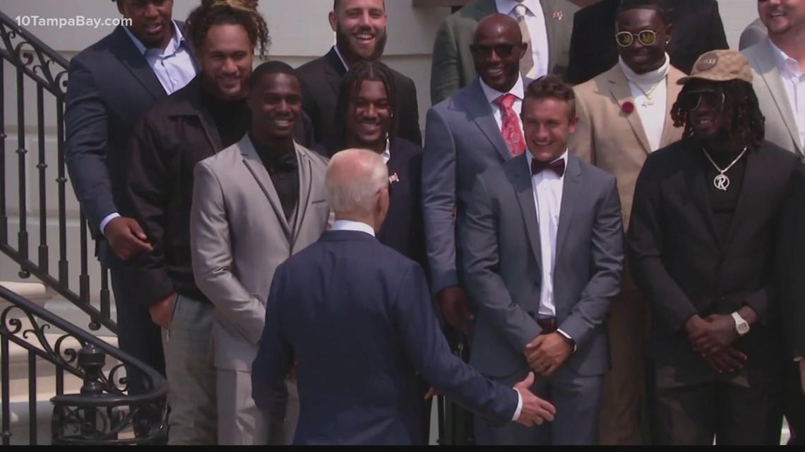 Politics come up during Buccaneers' Super Bowl LV White House visit