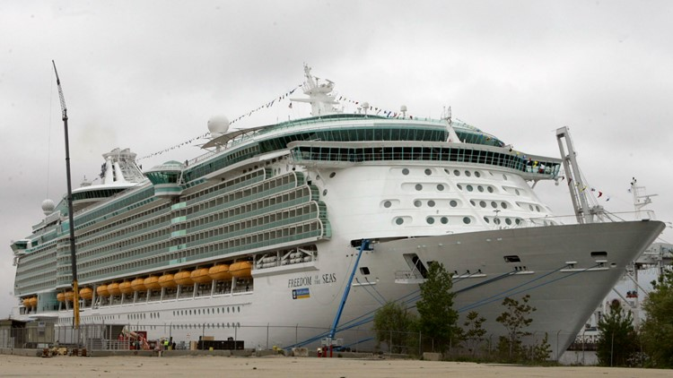 Bahamas issues emergency order requiring cruise passengers to show proof of vaccination