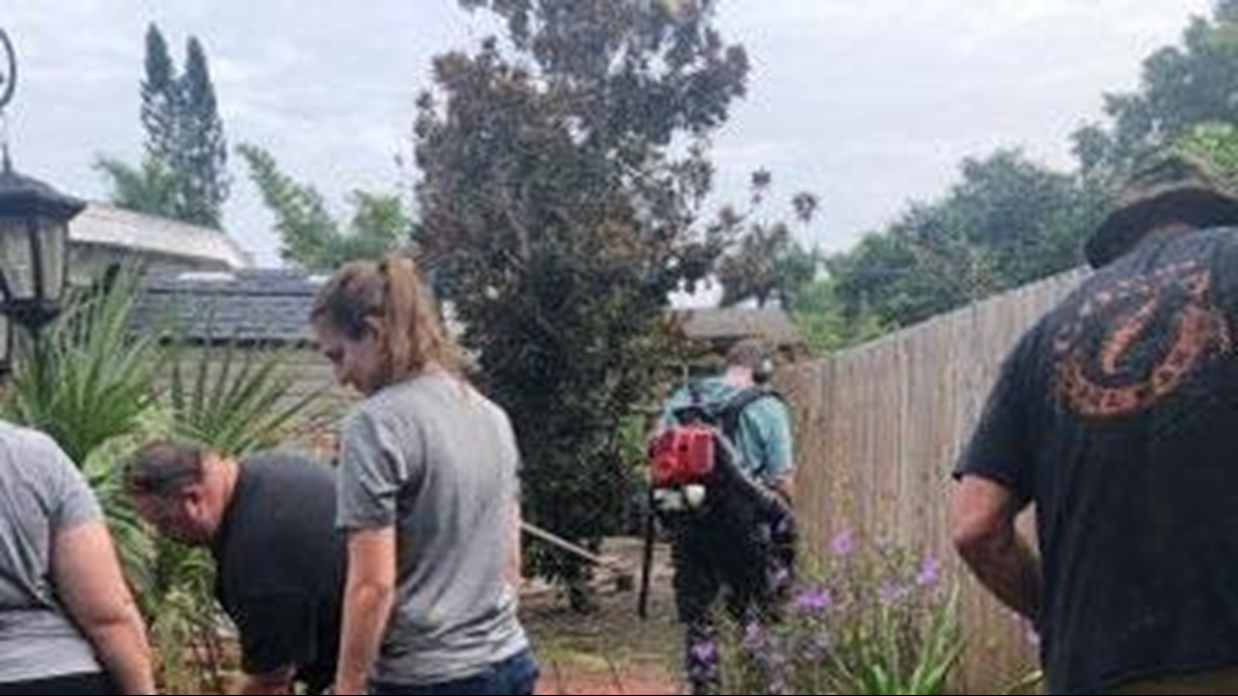 Florida deputies help spruce up cancer patient's yard