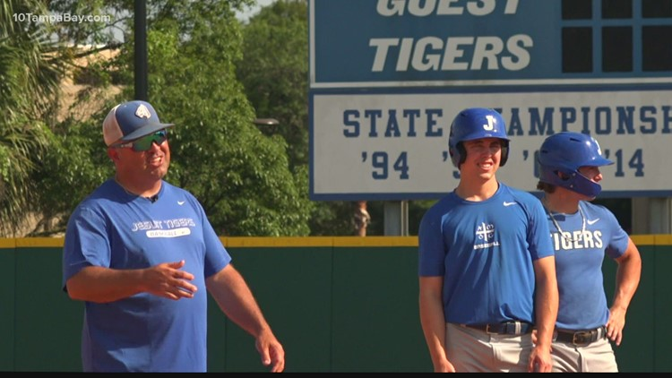 After Jesuit coach cuts his own son, the Melendez family is ready to win a championship together