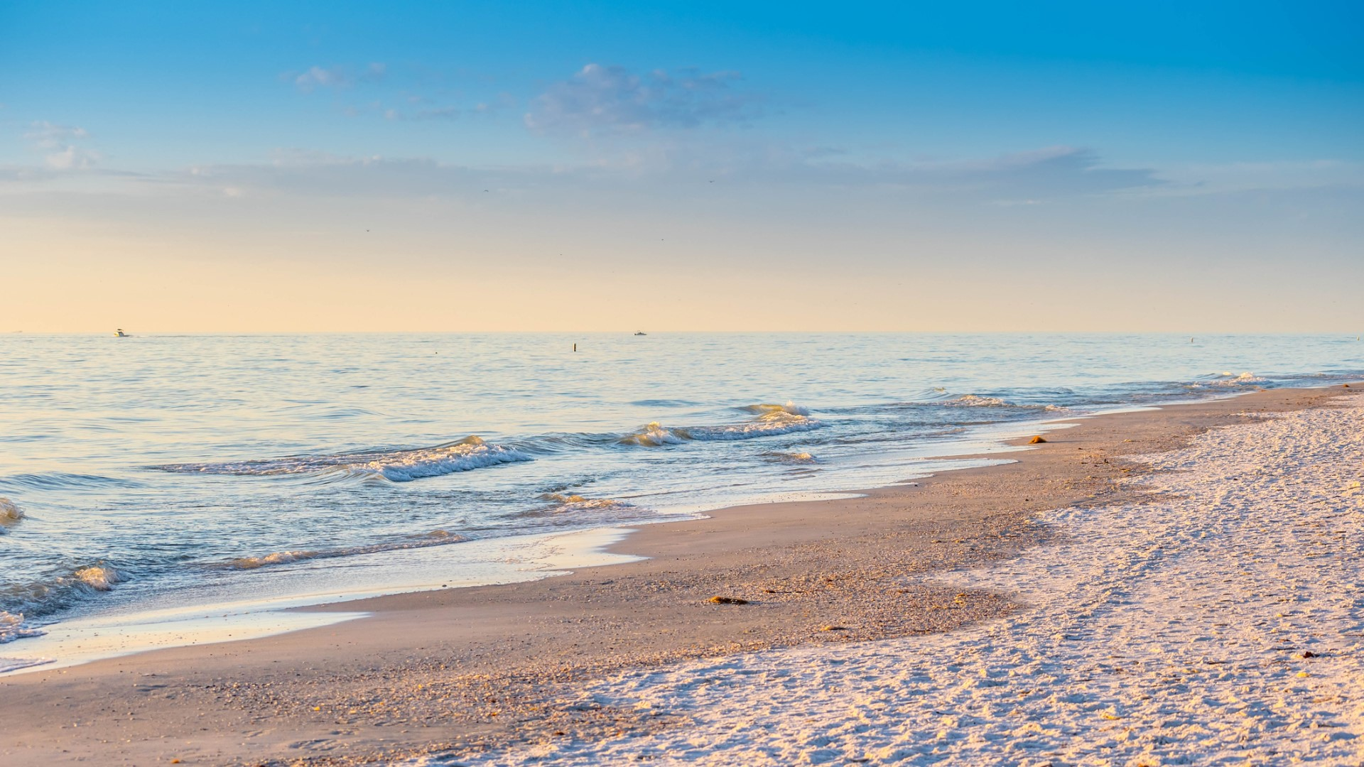 Manatee County Reopens Beach Parking